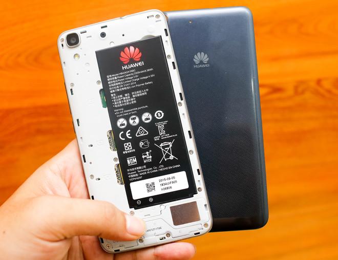 Smartphone màn hình 5 inch giá 3 triệu đồng của Huawei