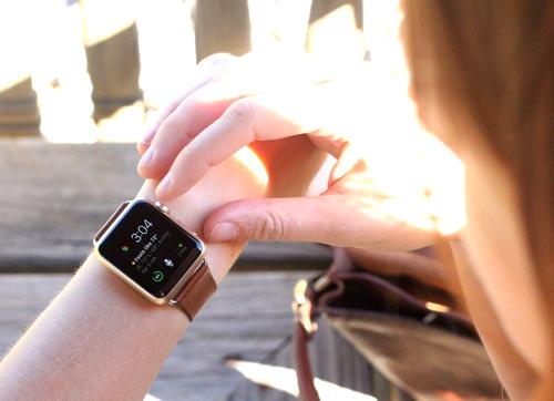 Những lý do nên mua Apple Watch chính hãng tại F.Studio by FPT