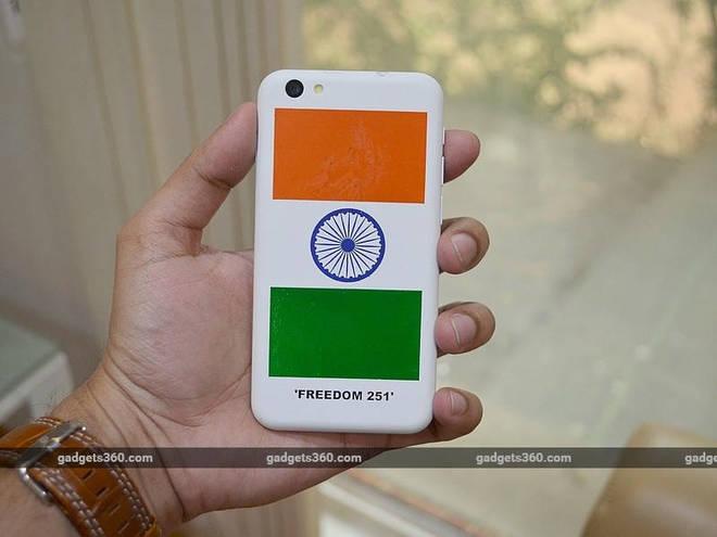 Mở hộp smartphone rẻ nhất thế giới giá 80.000 đồng