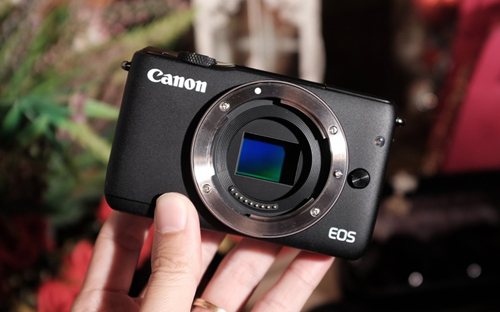 canon-eos-m10-may-mirrorless-gia-re-chup-tot