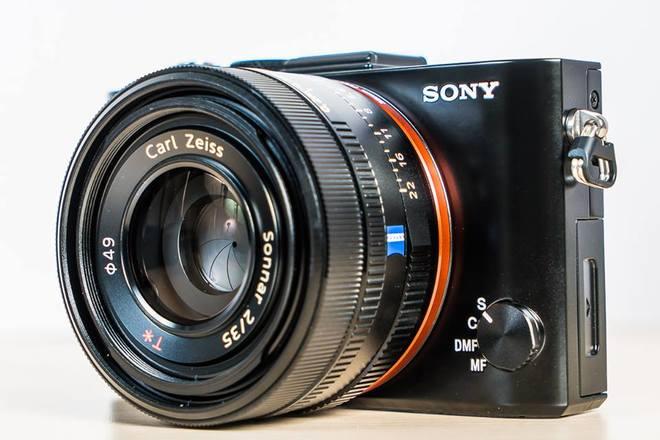 Sony RX1R II dùng cảm biến full-frame giá 84,9 triệu đồng