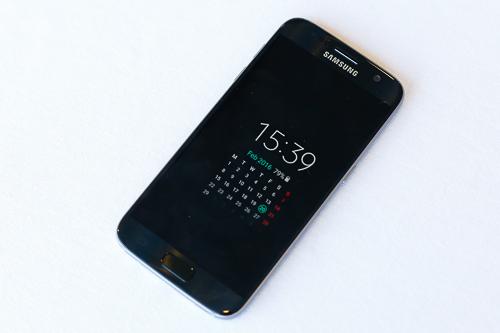 Màn hình của Galaxy S7 có thể hoạt động liên tục không cần tắt mà vẫn không ngốn pin.