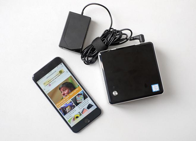 Case máy tính nhỏ bằng điện thoại di động