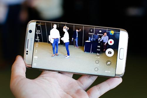 6-smartphone-camera-khung-moi-ra-dau-2016