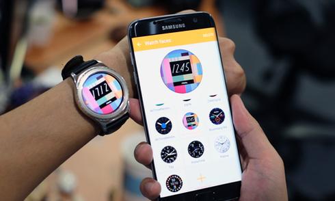 Tùy biến mặt đồng hồ Gear S2 từ Galaxy S7 edge