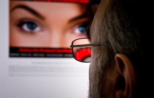 Danh tính hàng triệu thành viên website hẹn hò bị rao bán