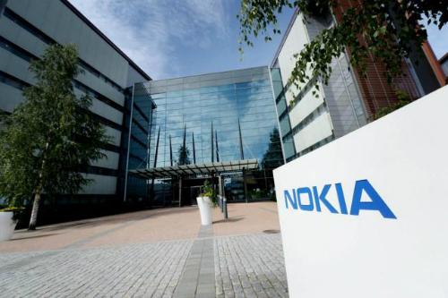 Việc Microsoft bán lại mảng điện thoại cơ bản được cho là bước khởi đầu để thương hiệu Nokia quay trở lại làng smartphone.