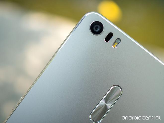 Ảnh Zenfone 3 Ultra - smartphone khổng lồ của Asus