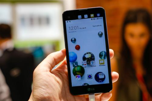 Smartphone hai màn hình giá 5 triệu đồng của LG về Việt Nam