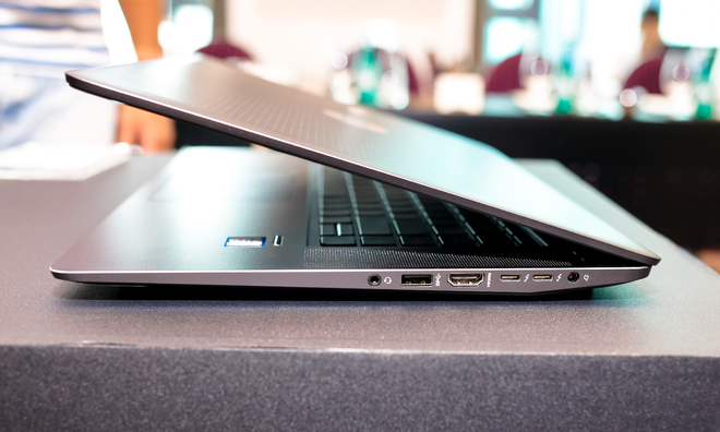 Ảnh thực tế HP ZBook Studio G3 Mobile Workstation