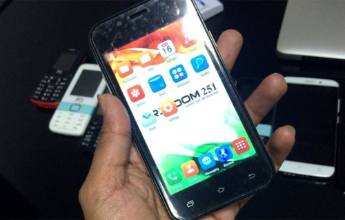 smartphone-re-nhat-the-gioi-3-6-usd-giong-iphone-5