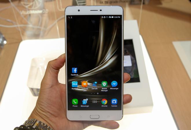 Asus Zenfone 3 Ultra - phablet ngoại cỡ giá 14 triệu đồng