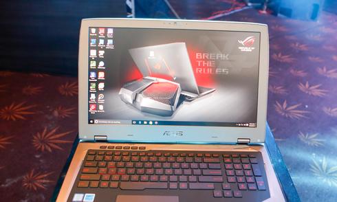 Laptop 130 triệu đồng được trang bị tản nhiệt nước