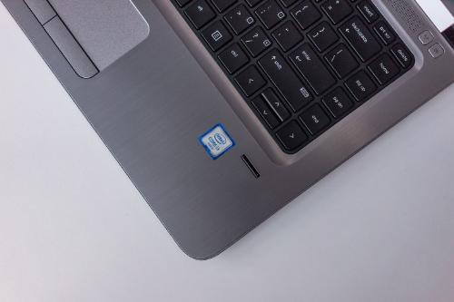 diem-nhan-cua-laptop-cho-doanh-nhan-hp-probook-440-g3-2016-bai-xin-edit-3