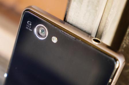 Những chiếc Android đời cũ giờ có giá chỉ còn hơn 1 triệu đồng.