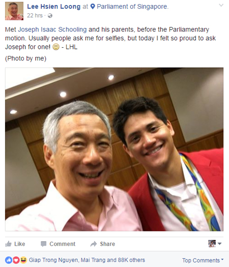 thu-tuong-singapore-xin-phep-chup-anh-selfie-voi-schooling