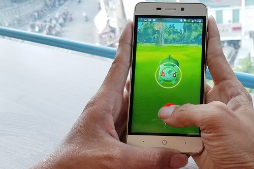 bo-doi-smartphone-cho-tho-san-pokemon-go