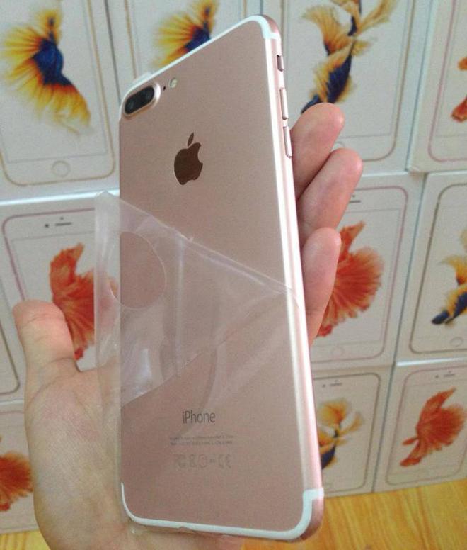 iPhone 7 chưa ra, hàng nhái giá 3 triệu đã bán ở Việt Nam