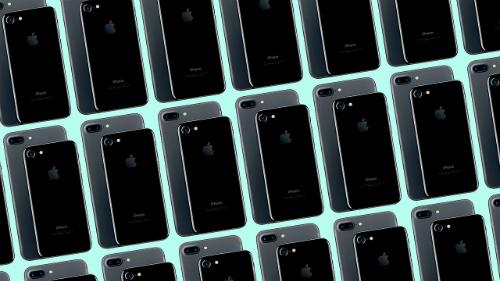 iPhone 7 và 7 Plus năm nay có một số thay đổi ở thiết kế. Ảnh: Fastcompany.