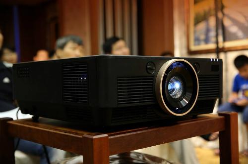 Optoma UHD300.