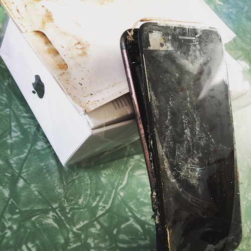 iphone-7-phat-no-khi-con-trong-hop