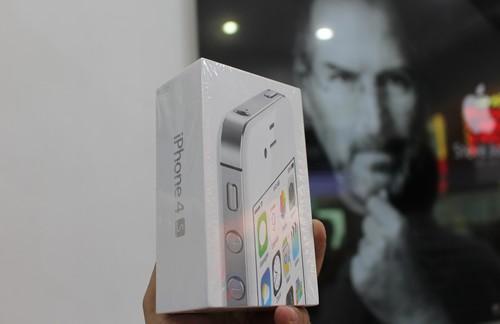 iphone-4s-nguyen-seal-ve-viet-nam-gia-3-2-trieu-dong