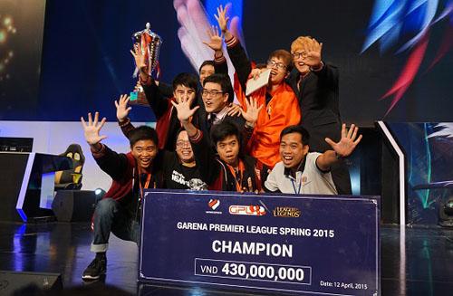 Các giải đấu chuyên nghiệp được tổ chức với phần thưởng lên tới hàng trăm triệu đồng.