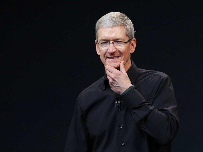 Theo tạp chí Time, Tim Cook, CEO Apple, dậy từ 3h45 mỗi ngày và xử lý e-mail khoảng một giờ. Sau đó, ông tập gym, tới cửa hàng Starbucks và đến văn phòng.