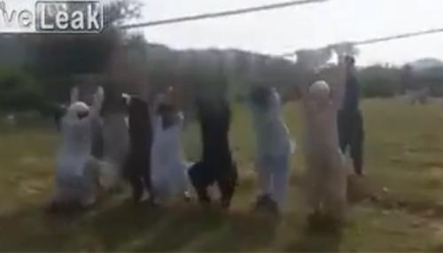 Trò chơi với dây điện chỉ có tại Pakistan