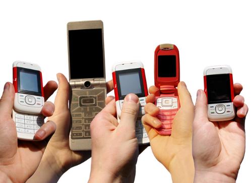 Không còn nhiều điện thoại feature-phone mới ra mắt giống như smartphone.