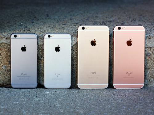 Loại hàng qua sử dụng phổ biến ở Việt Nam kéo giá iPhone ngày càng rẻ đi.