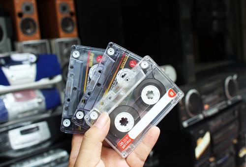 cassette-van-hut-nguoi-choi-gai-gon-2