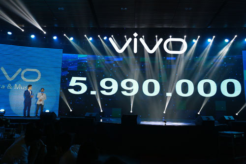 ra-mat-vivo-v5-smartphone-co-camera-truoc-20-megapixel-14