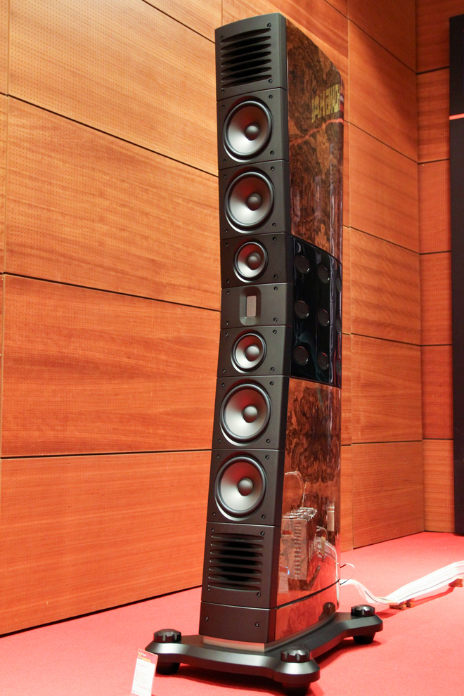 Loa cao 2 mét, giá 5,7 tỷ tại Hà Nội