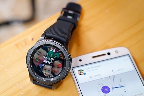 Gear S3 có thể ghép nối, thực hiện cuộc gọi và trả lời tin nhắn từ điện thoại dù không có sim.