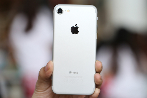 iphone-7-ban-cham-apple-giam-luong-san-xuat