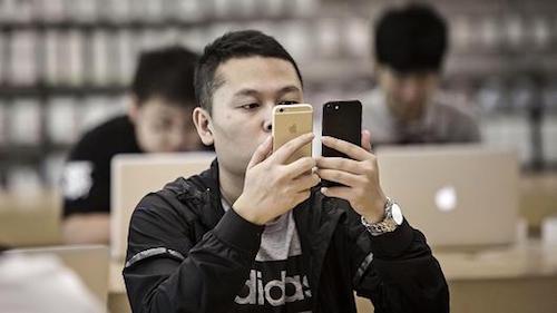 iphone-khong-con-la-smartphone-an-khach-nhat-trung-quoc