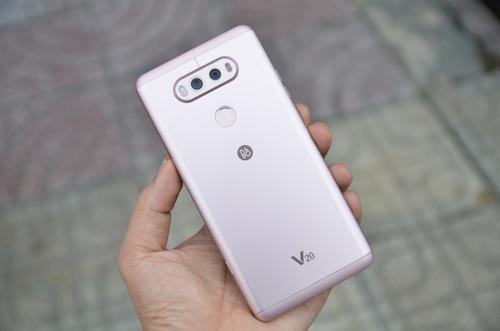 9-smartphone-tam-trung-va-cao-cap-ban-ngay-sau-tet-4