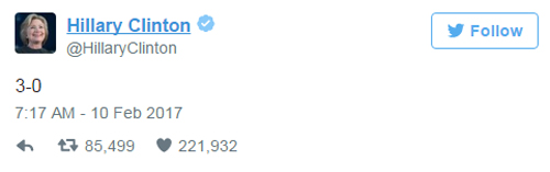 Hillary Clinton lên Twitter 'giễu' Donald Trump sau lệnh của tòa