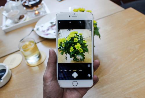 iPhone 6 Plus chính hãng sẽ được giảm thêm 2 triệu đồng, còn 11,99 triệu đồng từ ngày 23 đến hết tháng 2/2017Sản phẩm mua tại FPT Shop là hàng chính hãng, được đổi trả miễn phí trong 30 ngày, bạn có thể chọn chọn cửa hàng gần nhất hoặc chọn mua online hoặc gọi hotline 1800 6601 để được tư vấn, mua hàng nhanh.