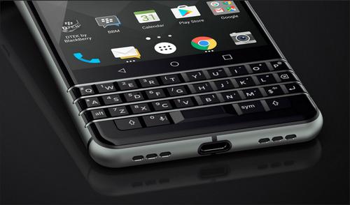 smartphone-ban-phim-qwerty-manh-nhat-cua-blackberry-ra-mat