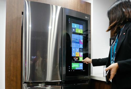 Tủ lạnh LG Smart InstaView.
