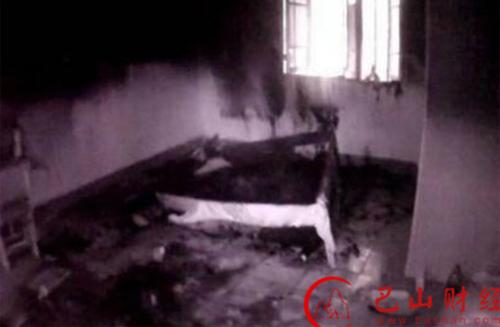 Những gì còn lại của căn phòng sau vụ cháy.