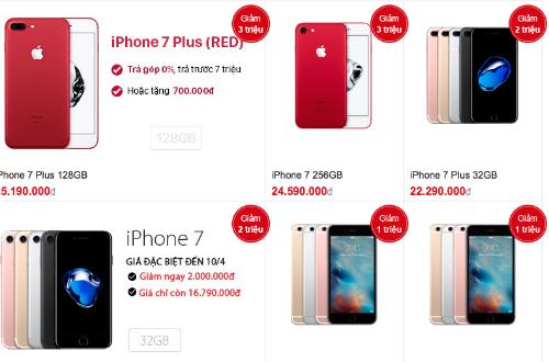 Giá iPhone chính hãng tại các hệ thống lớn đồng loạt giảm tới hàng triệu đồng.
