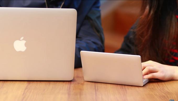 Laptop siêu nhỏ màn hình 7 inch
