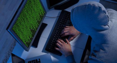 hacker-nga-dang-tan-cong-my-tinh-vi-hon
