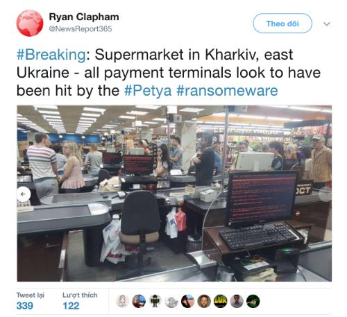 Máy tính ở một siêu thị phía Đông Ukraine ngưng hoạt động do bị virus Petrwrap tấn công.