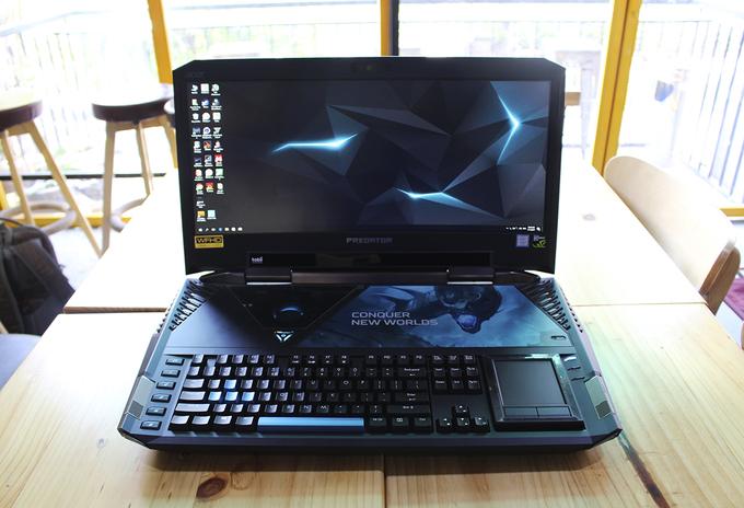 Laptop giá 230 triệu đồng của Acer về Việt Nam