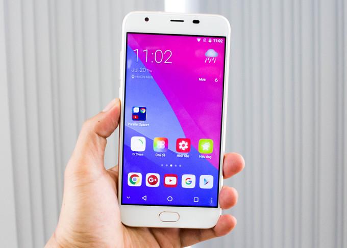 Lộ diện <a href='http://m.vietgiaitri.com/tag/smartphone-viet/' title='smartphone Việt'>smartphone Việt</a> cạnh tranh <a href='http://m.vietgiaitri.com/tag/bphone-2/' title='Bphone 2'>Bphone 2</a>