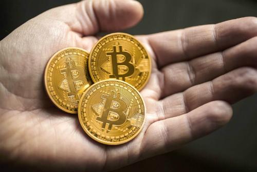 tai-sao-ca-the-gioi-dien-cuong-vi-tien-ao-bitcoin-2